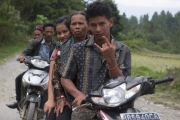 Family, Sumatra